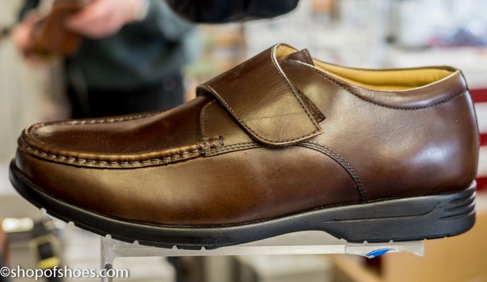 Mens Extra Wide Fit Leather Great Value Smart Shoe In